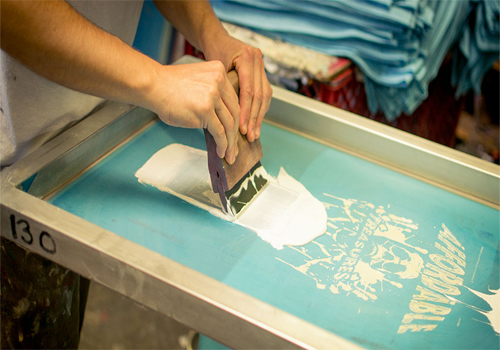 Pros And Cons Of Silk Screen T-Shirt Printing